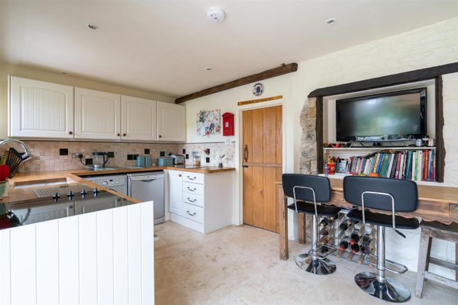 Kitchen V2 of Post Office Row, Little Compton, Gloucestershire GL56