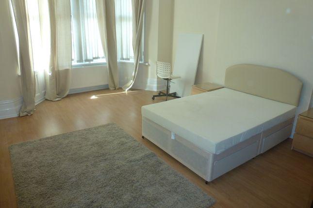 Thumbnail Shared accommodation to rent in Penylan Road, Penylan
