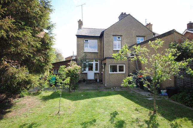 Thumbnail Semi-detached house for sale in Soulbury Road, Linslade, Leighton Buzzard