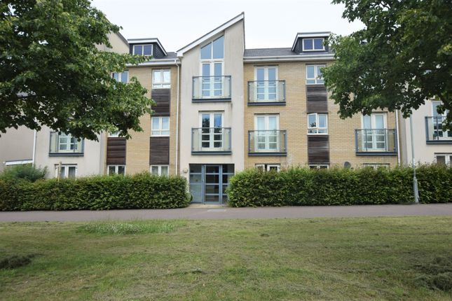 Thumbnail Flat to rent in Cambridge Road, St. Neots