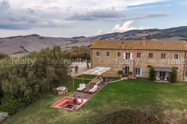 Thumbnail Farmhouse for sale in Pienza, Pienza, Siena, Tuscany, Italy