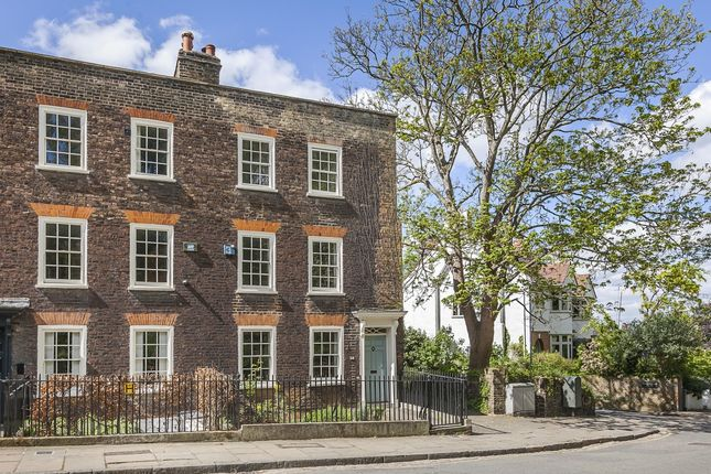 4 bed flat to rent in Hyde Vale, London SE10