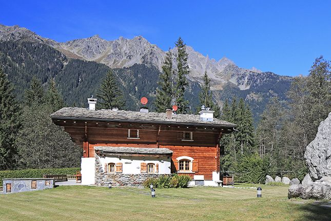 Thumbnail Chalet for sale in Chamonix, Rhone Alps, France