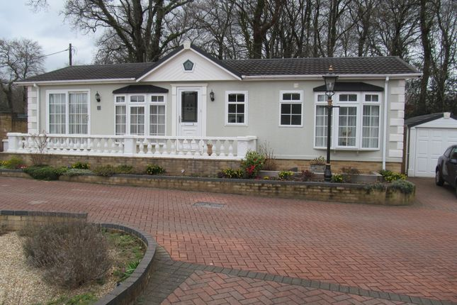 Thumbnail Mobile/park home for sale in Moorland Park (Ref 5850), Bovey Tracey, Newton Abbot, Devon