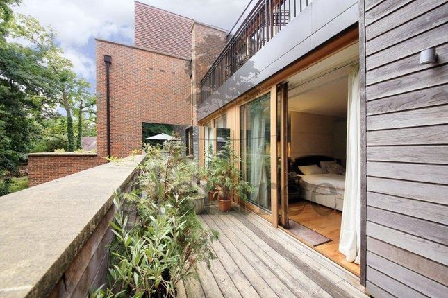 Thumbnail Flat to rent in The Bishops Avenue, Kenwood