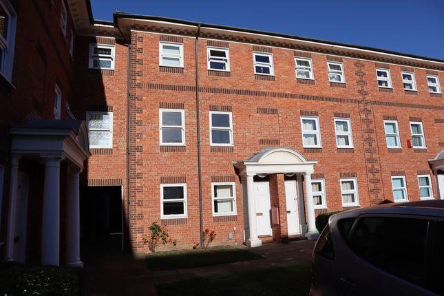 Thumbnail Maisonette for sale in Braemar Court, Ashburnham Road, Bedford, Bedfordshire