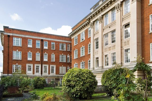 Thumbnail Flat for sale in Phillimore Court, London