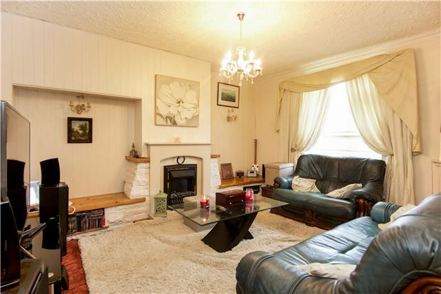 Thumbnail Flat for sale in Millfield Road, Edgware, Middlesex