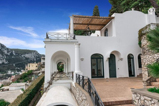 Thumbnail Town house for sale in Via Belvedere Cesina, 80076 Capri Na, Italy