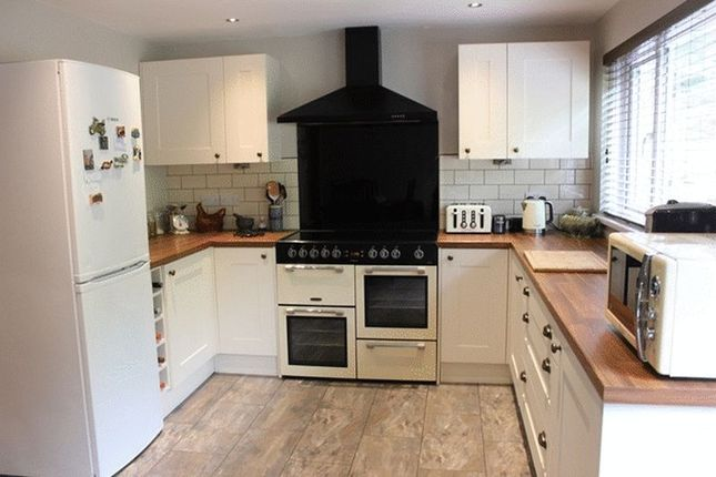 3 Bed Semi Detached House For Sale In Ruddlemoor St