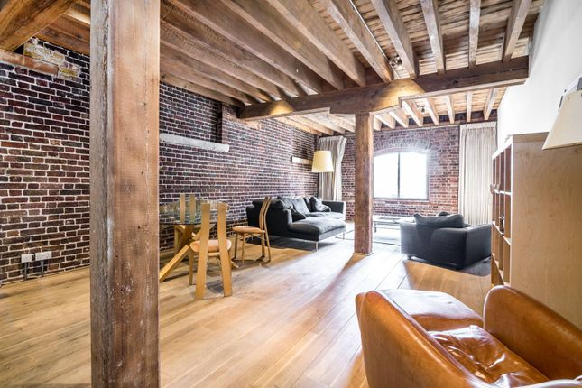 Thumbnail Flat to rent in Hertsmere Road, Canary Wharf