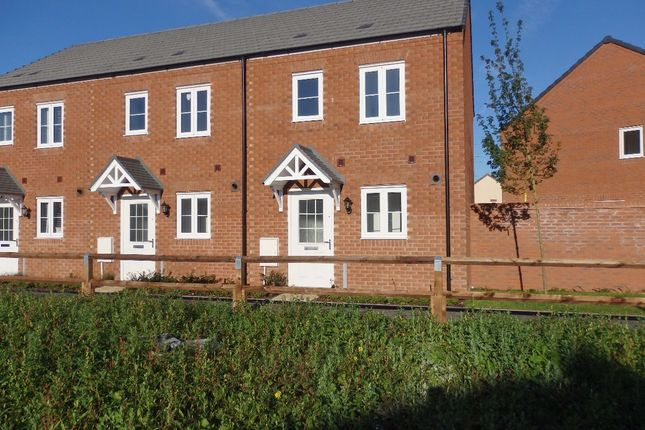 Thumbnail Terraced house to rent in Stryd Bennett, Llanelli