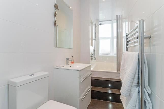 Bathroom of Stonelaw Road, Burnside, Glasgow, South Lanarkshire G73