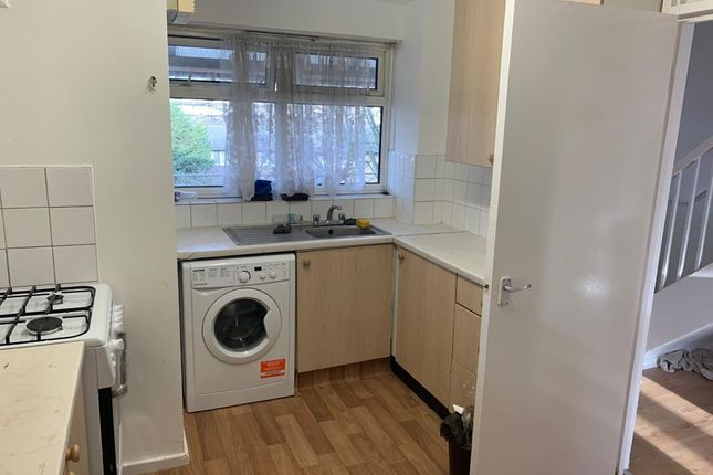 Thumbnail Flat to rent in Ordnance Road, Canning Town