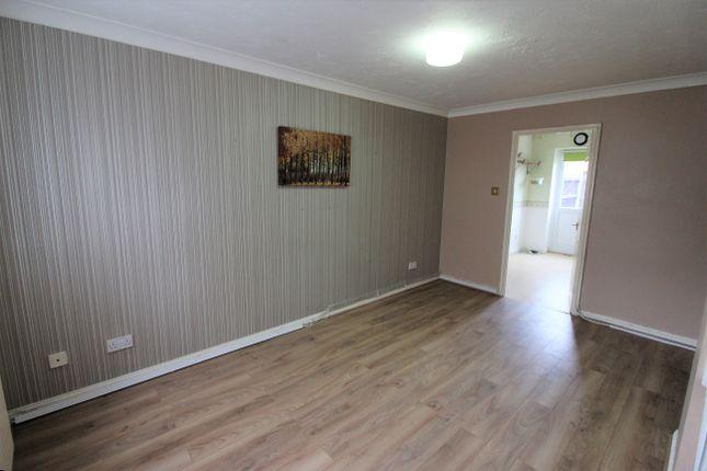 2 bedroom terraced house to rent in Wanderer Drive, Barking