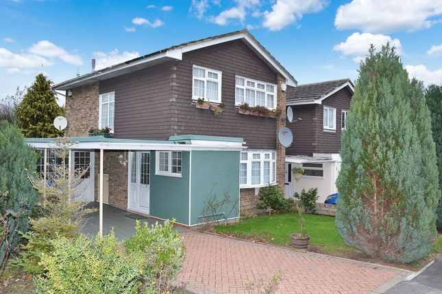 Thumbnail Detached house for sale in Morningtons, Harlow