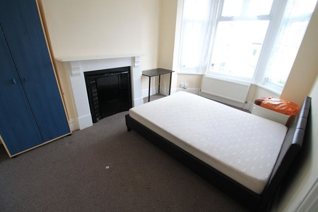 Thumbnail Property to rent in Russell Rise, Luton