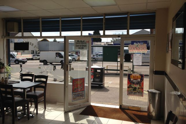 Thumbnail Restaurant/cafe to let in Barnet Rd, Potters Bar