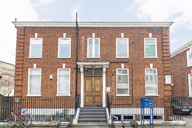 Thumbnail Flat for sale in Laburnum Street, London