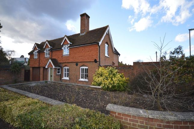 Thumbnail Detached house to rent in Lakehurst Road, Ewell, Epsom