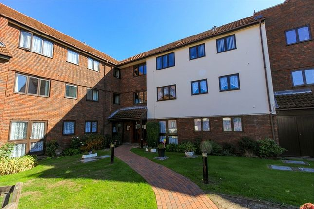 Thumbnail Flat for sale in Cobbinsbank, Farm Hill Road, Waltham Abbey, Essex