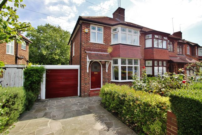 Thumbnail Semi-detached house to rent in Arundel Drive, Woodford Green