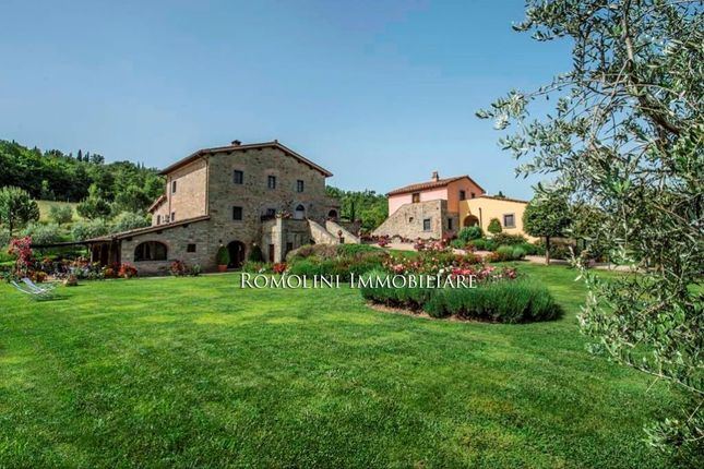 11 bed country house for sale in Arezzo, Tuscany, Italy