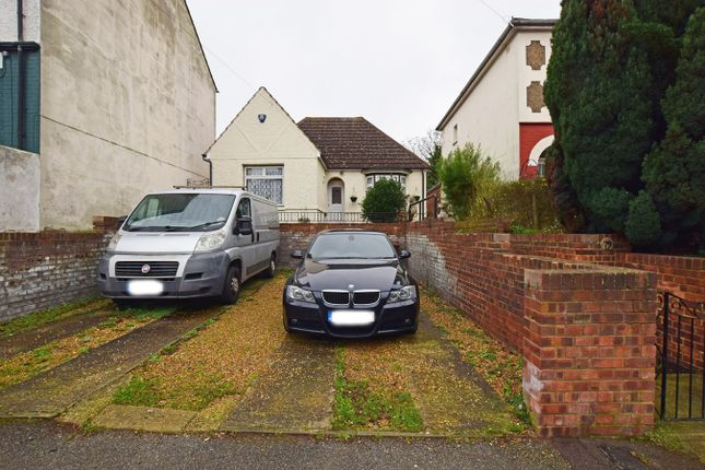 Thumbnail Bungalow for sale in Woodlands Road, Gillingham