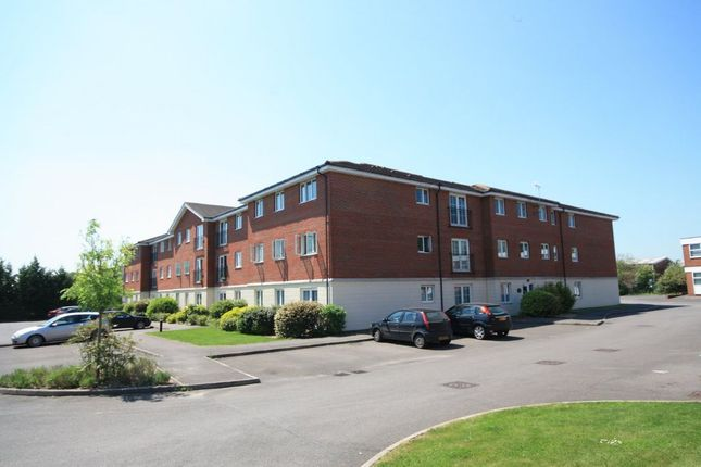 Thumbnail Flat to rent in Arundel Court, Brookers Road, Billingshurst