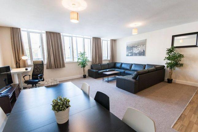Thumbnail Flat to rent in Broadmead, Bristol
