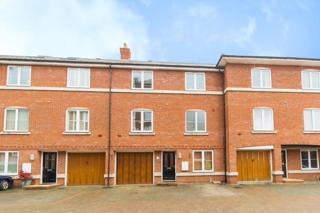 Thumbnail Town house to rent in Quakers Court, Abingdon