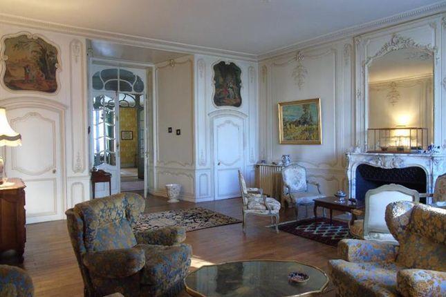 Thumbnail Apartment for sale in Poitiers, Poitou-Charentes, France