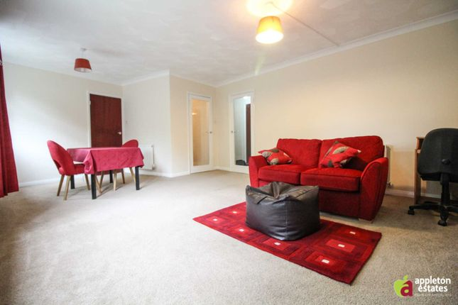 Thumbnail Flat to rent in Addiscombe Road, Croydon