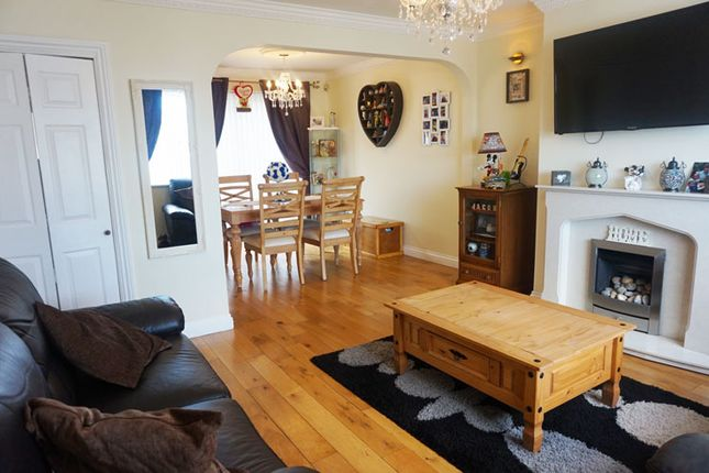 Town house for sale in St. Annes Gardens, Maesycwmmer, Hengoed