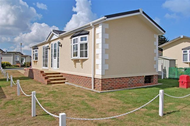 2 Bed Mobile Park Home For Sale In Burmarsh Road Hythe Kent