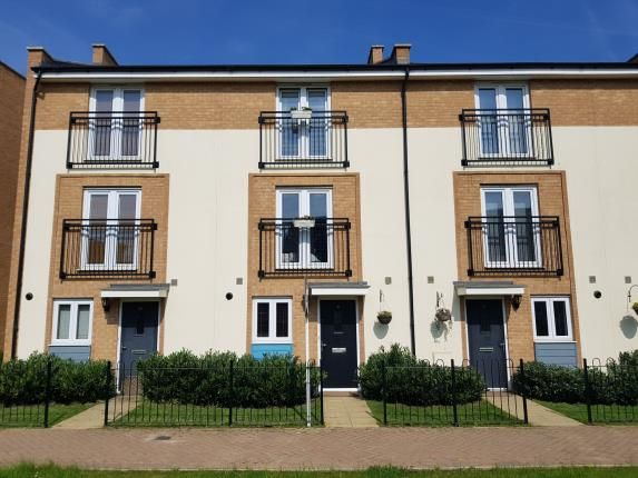 Thumbnail Terraced house for sale in Clenshaw Path, Basildon