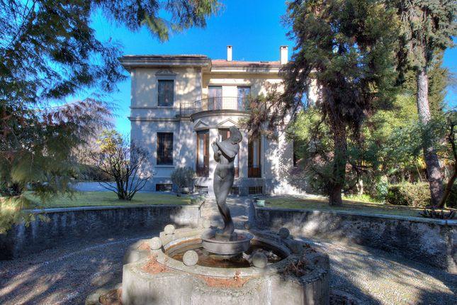 Villa for sale in Stresa, Verbano-Cusio-Ossola, Piemonte