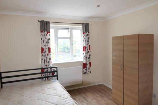 Thumbnail Maisonette to rent in Eltham High Street, London