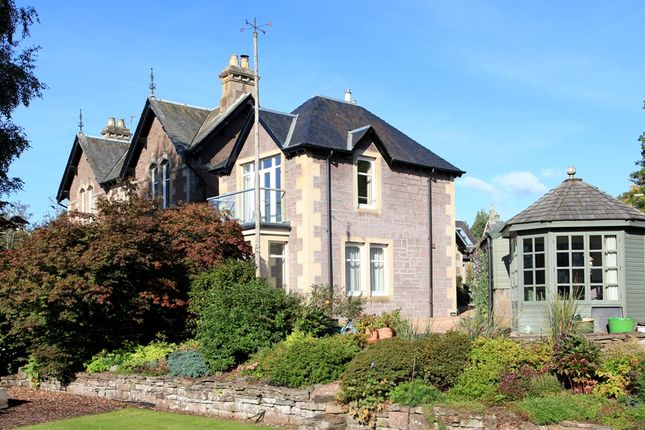 Thumbnail Flat for sale in Connaught Terrace, Crieff