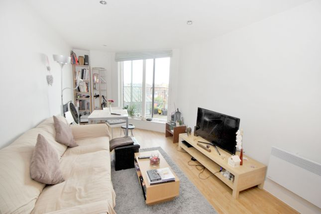1 bed flat to rent in Merchants Place, Reading