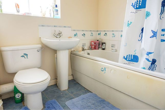 Bathroom of St. Edmunds Court, Grimsby DN34