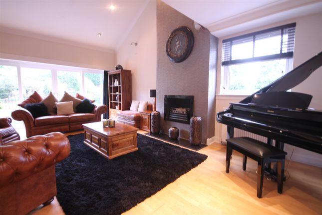 Lounge of Glebe Wynd, Bothwell, Glasgow G71
