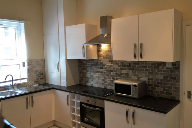 7 bed terraced house to rent in Ebberston Terrace, Hyde Park, Leeds
