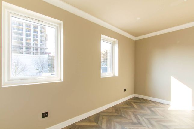 Thumbnail Flat to rent in Cranbrook Mews, Walthamstow