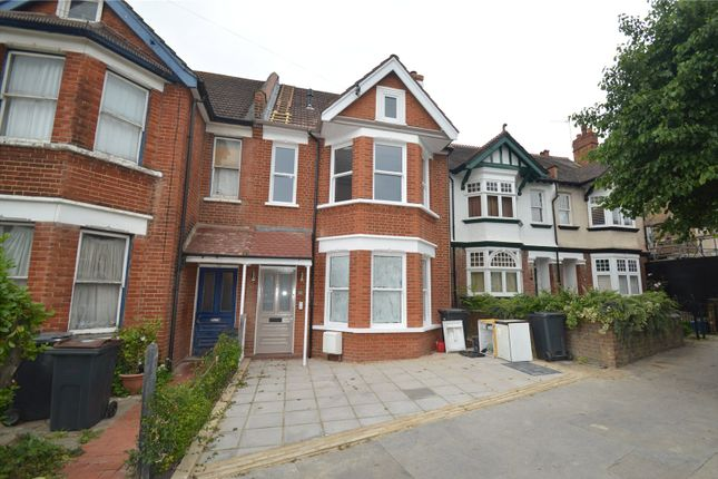 Thumbnail Semi-detached house to rent in Chisholm Road, Croydon