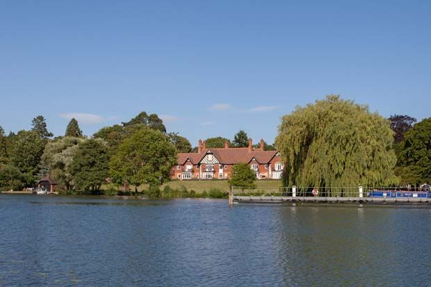 Thumbnail Flat to rent in 13 Thames Bank, Goring On Thames