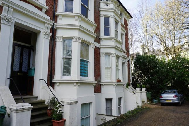 Studio to rent in Montacute Gardens, Tunbridge Wells, Kent TN4