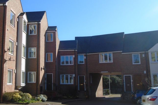 2 bed flat to rent in Wellway Court, Morpeth