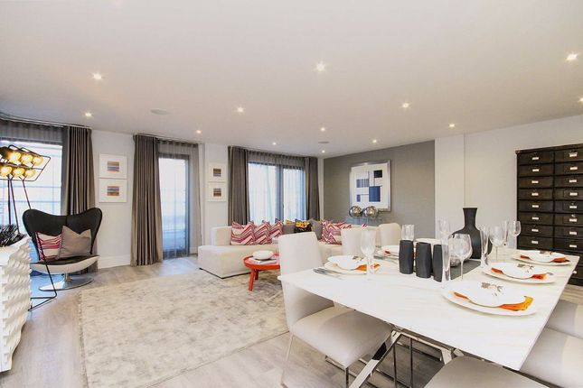Thumbnail Flat to rent in Monck's Row, West Hill Road, London