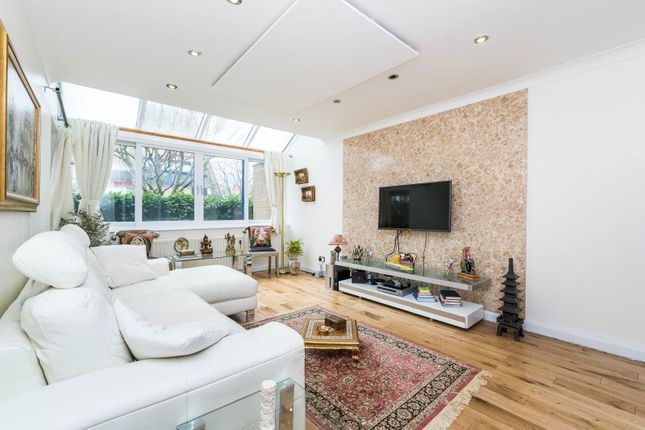 Thumbnail Terraced house for sale in Bywater Place, London